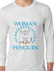 Penguins - Never Underestimate A Woman Who Loves Penguin Long Sleeve T-Shirt