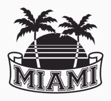 Miami Beach palm beach sea sun Pink T-Shirt