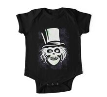 HATBOX GHOST WITH GRUNGY HAUNTED MANSION WALLPAPER One Piece - Short Sleeve