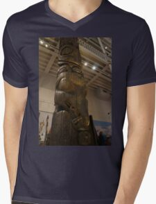 Totem Detail Mens V-Neck T-Shirt