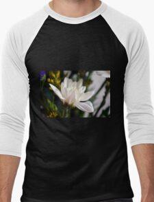 White flower macro. Men's Baseball ¾ T-Shirt