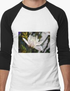 White flower macro. Men's Baseball ¾ T-Shirt