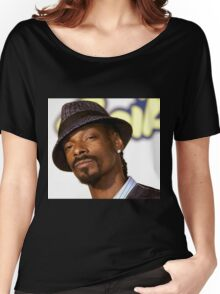 snoop dogg wearing hat  Women's Relaxed Fit T-Shirt