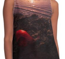 Heart from the Ocean Contrast Tank