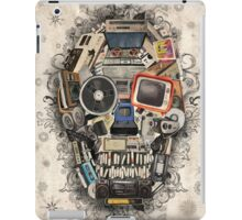 retro tech skull 2 iPad Case/Skin