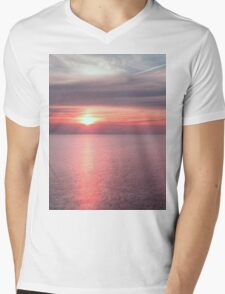 Norfolk summer sunset Mens V-Neck T-Shirt