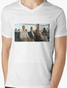 watching Oprah Mens V-Neck T-Shirt