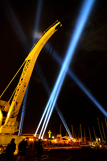 Craning for the Beam - Dark Mofo 2014 by clickedbynic