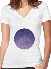 TO THE STARS WHO LISTEN AND THE DREAMS THAT ARE ANSWERED- SARAH J. MAAS Women's Fitted V-Neck T-Shirt