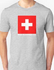 Drapeau suisse sur fond noir T-Shirt