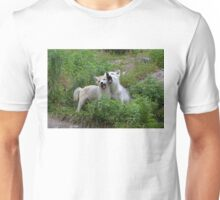 Howling good time - Arctic wolf pups Unisex T-Shirt
