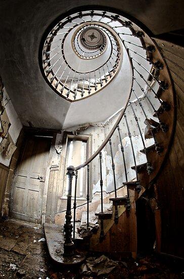 L'escalier des chevalier by Jean-Claude Dahn