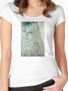 Beauty  Women's Fitted Scoop T-Shirt