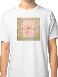 Pink Daisy  Classic T-Shirt