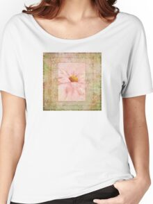 Pink Daisy  Women's Relaxed Fit T-Shirt