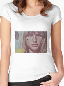 blond lady on a wall  Women's Fitted Scoop T-Shirt