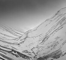 Lairig Ghru in winter by irisone