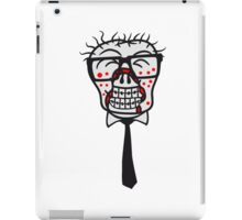 kopf gesicht nerd geek hornbrille pickel spange freak schlau glücklicher untoter monster halloween horror comic cartoon design zombie  iPad Case/Skin