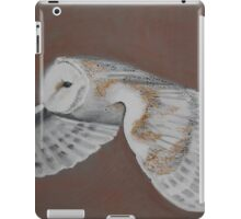 BARN OWL ON BROWN iPad Case/Skin