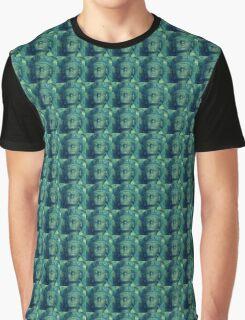 Queen in Green Graphic T-Shirt