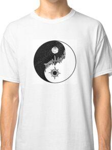 Yin Yang for Day/Night Classic T-Shirt