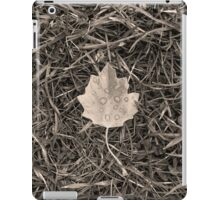 Fallen leaf iPad Case/Skin