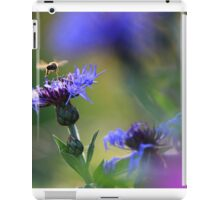 Bee on Mountain Knapweed - Vintage Lens Bokeh iPad Case/Skin