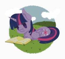 Princess Twilight Sparkle Reading Kids Tee