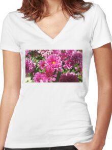 Magnificent Marvelous Mums Women's Fitted V-Neck T-Shirt