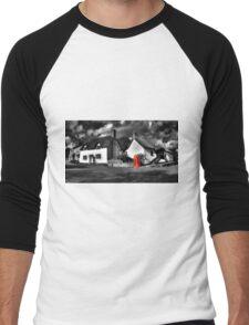 Thatched cottages of Halse (Mono) Men's Baseball ¾ T-Shirt