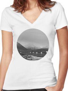 Varmahlíð Women's Fitted V-Neck T-Shirt