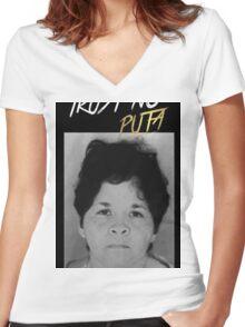 Trust No Puta Women's Fitted V-Neck T-Shirt