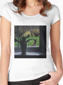 A deer on backyard adventures Women's Fitted Scoop T-Shirt