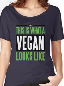 This is what a vegan looks like Women's Relaxed Fit T-Shirt