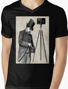 Victorian Steampunk Photographer Camera Mens V-Neck T-Shirt