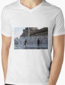 A Boston View 12 Mens V-Neck T-Shirt