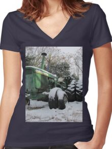 A Deere In The Snow Women's Fitted V-Neck T-Shirt
