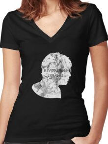 Revolution is coming Women's Fitted V-Neck T-Shirt