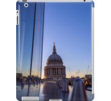 Reflecting St Pauls iPad Case/Skin