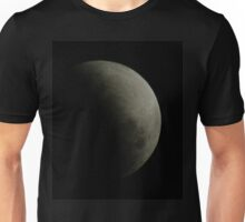 Partial eclipse of the moon, 26-6-10, 8:25pm Unisex T-Shirt
