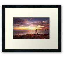 Beauté du coucher de soleil à Madagascar Framed Print