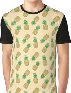 Creamy Pineapple Summer Pattern Graphic T-Shirt