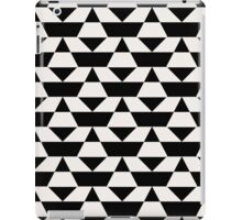 Black and white op art pattern iPad Case/Skin