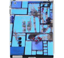 Jewellery  in The Mirror iPad Case/Skin