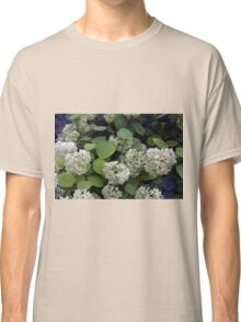 Natural pattern with white flowers and green leaves. Classic T-Shirt