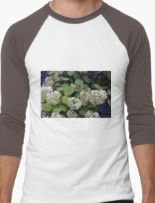 Natural pattern with white flowers and green leaves. Men's Baseball ¾ T-Shirt