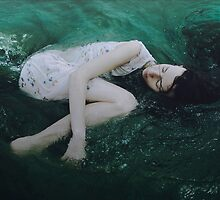 And the ocean loved her back by AlexandraSophie