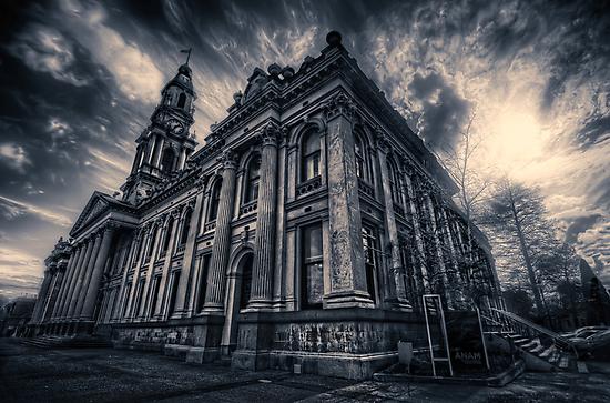 Dark City by mellosphoto