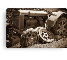 Vintage rusty farm tractor Canvas Print