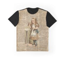 "Alice in The Wonderland ""Drink Me"" Colour Vintage Illustration Dictionary Art  Graphic T-Shirt"
